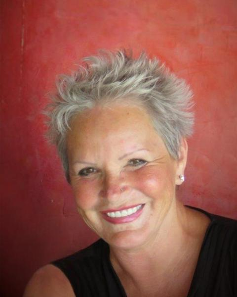 Toni Smith Agent Photo