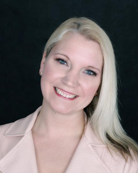 Amanda Oijen Agent Photo