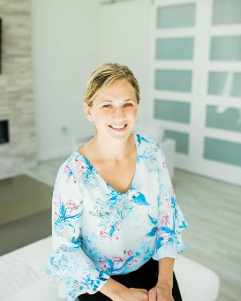 Jennifer Huseby* Agent Photo